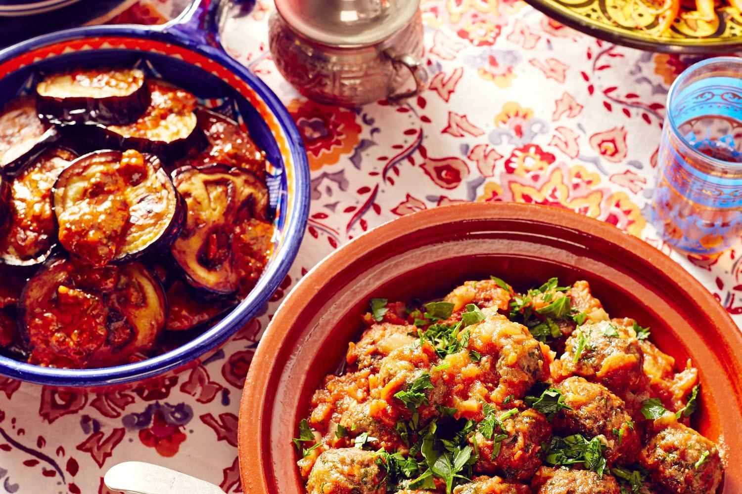 Morocco foodie tours in Marrakech to taste local Moroccan dishes & Cuisine